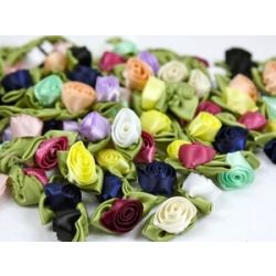 A Bag Of 100 Large Ribbon Roses