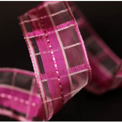 Korsika pink and white plaid