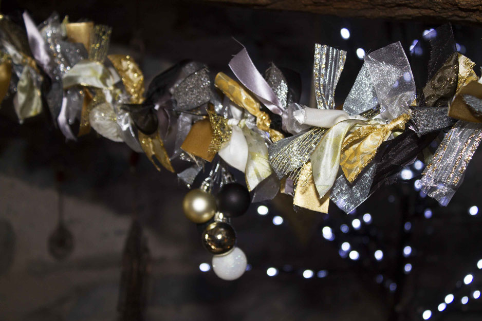 gold and silver ribbon garland kit