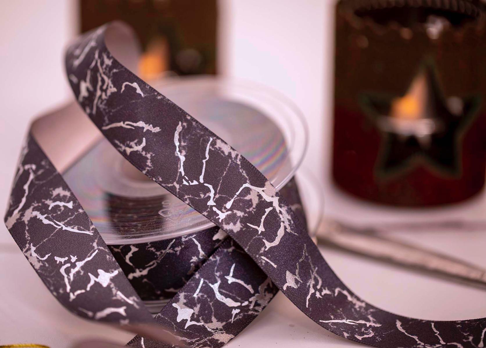 Grey marble ribbon